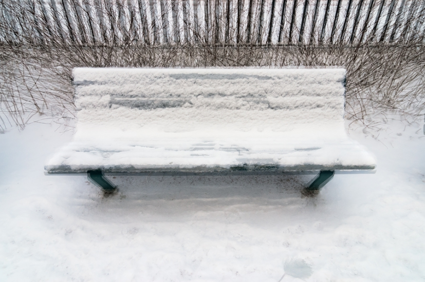 http://skrubu.net/pniportfolio/files/gimgs/th-14_31 Three Snowed In Benches by pni.jpg